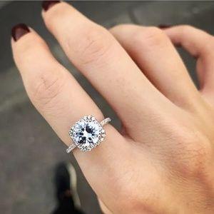 🍒NEW🍒 2 CARAT SONA DIAMOND HALO ENGAGEMENT RING